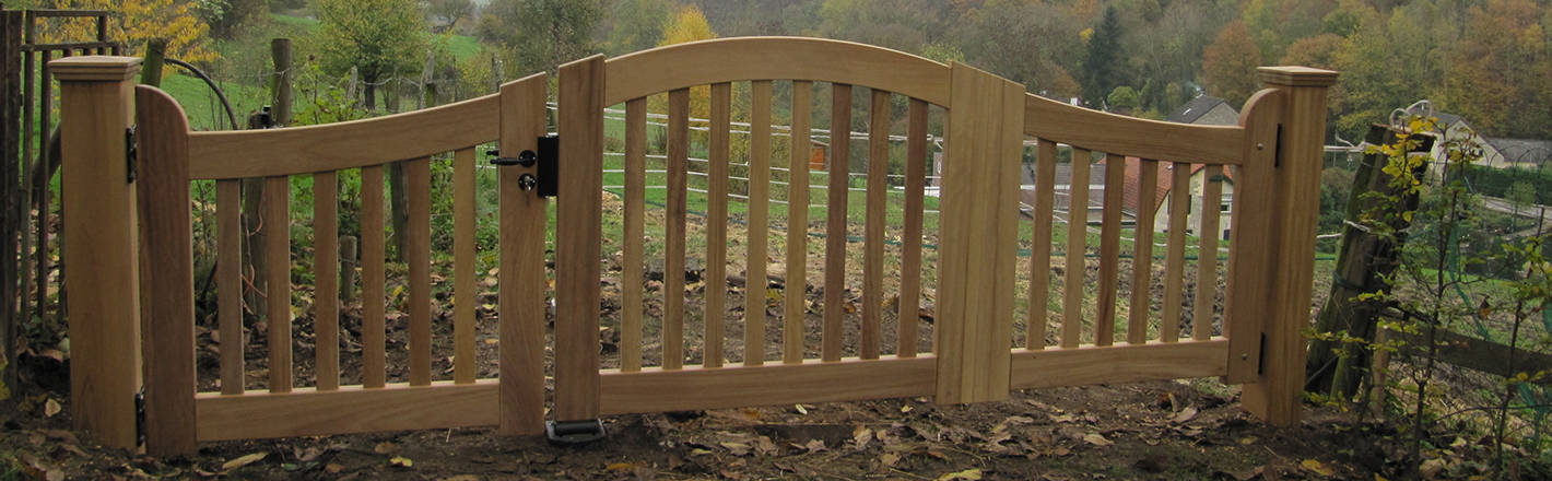 Hek - Open houten inrijpoort / toegangspoort met looppoort - Farm Poorten