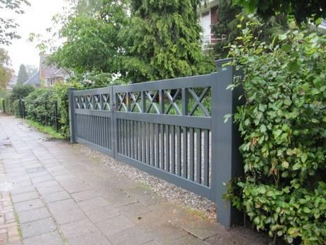 Inrij hek, strak design. Topkwaliteit spuitwerk en zeer duurzaam hout. Alle kleuren mogelijk.