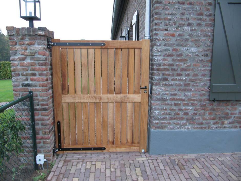 Houten poort - Dichte inlooppoort / toegangspoort - Farm Poorten