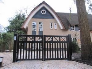 Houten poort - Open inrijpoort met poortopener - Farm Poorten