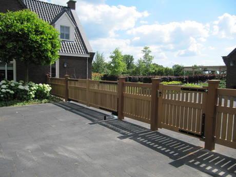 Hekwerk Hout Tuin : Houten hekwerk strak design farm poorten